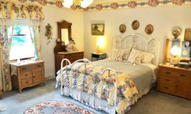 Country Garden Room, Cameo Rose Victorian Country Inn