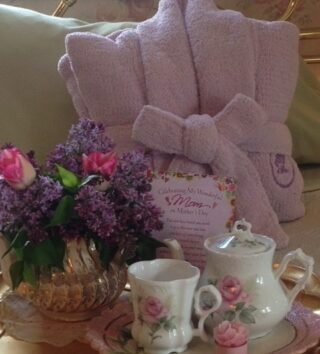 Gifts, Cameo Rose Victorian Country Inn