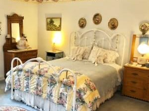 Accommodations, Cameo Rose Victorian Country Inn